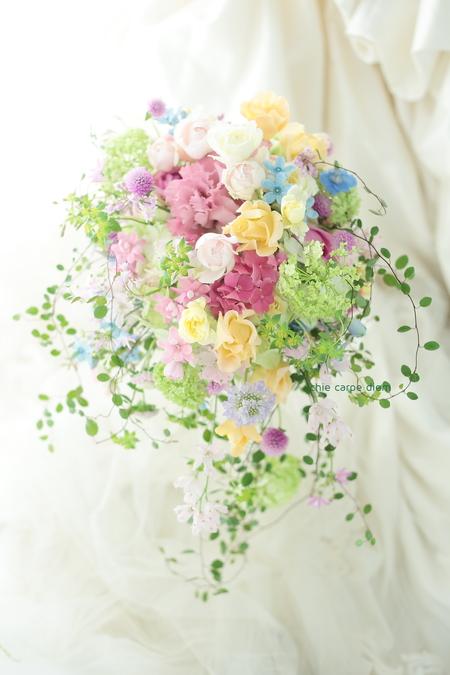 シャワーブーケ 八芳園様へ、ピンクを入れたミックスカラーで_a0042928_23242683.jpg