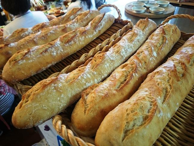 久しぶりにフランスパン_e0167593_1243856.jpg