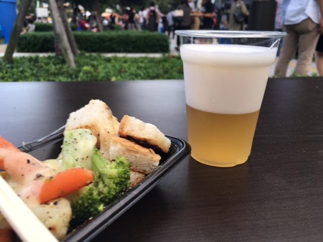 中之島公園でクラフトビールピクニック。_a0050302_12262461.jpg