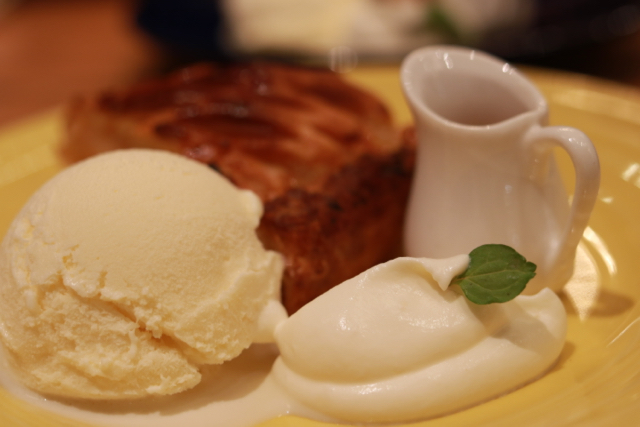 *銀座*「GRANNY SMITH APPLE PIE & COFFEE」_f0348831_22094191.jpg