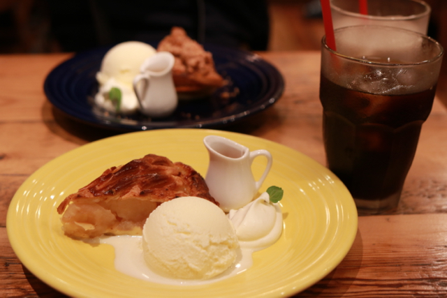 *銀座*「GRANNY SMITH APPLE PIE & COFFEE」_f0348831_22094250.jpg
