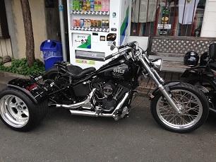 昨日のバイク!!_f0194657_14404420.jpg