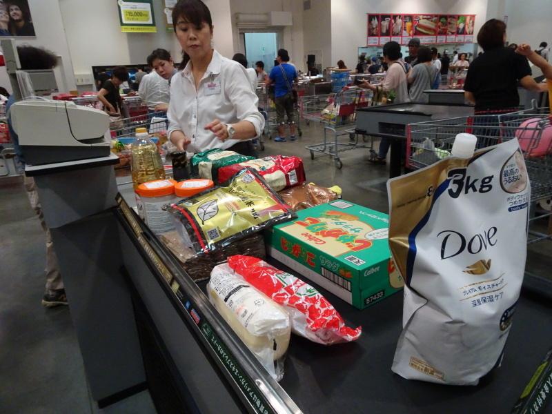 コストコへ食料買い出しに・・・_c0108460_21355039.jpg