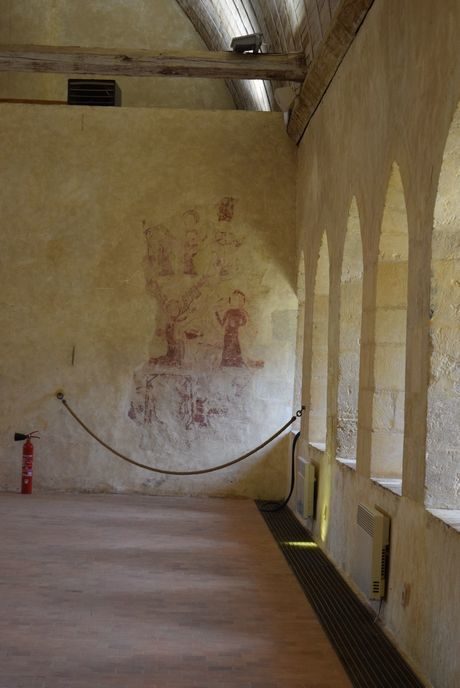 変わりゆく修道院とモワンヌの器_b0346275_09261082.jpg