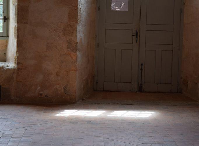 変わりゆく修道院とモワンヌの器_b0346275_09283875.jpg