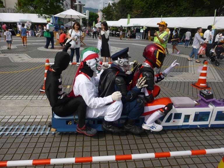○高知県警マモルマン、カツオ人間も大活躍_f0111289_07114567.jpg