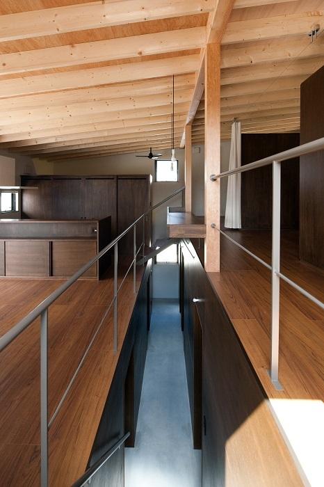 『小和滝の家』 がhomify のモダンな魅力のあるスキップフロア5選!に掲載されました。_e0197748_09485560.jpg