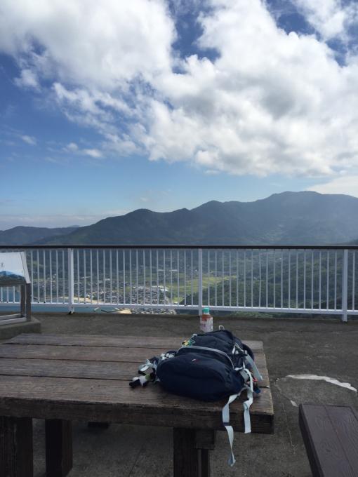 文珠山引き返し、飯の山展望台へ。_f0183846_14180664.jpg