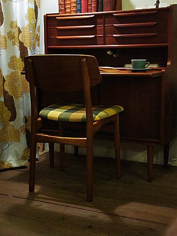 chair_c0139773_15083684.jpg