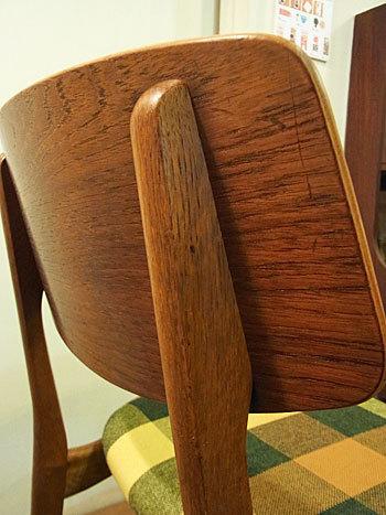 chair_c0139773_15104980.jpg