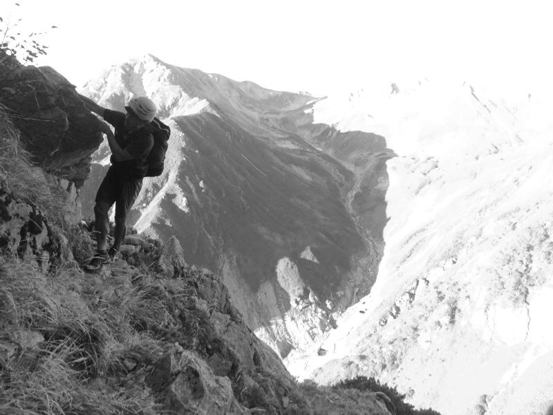 剱岳源次郎尾根 Fastpacking+Alpine Scrambling at Mt.Tsurugi Day.3 2016/09/01-03_b0220886_21133066.jpg