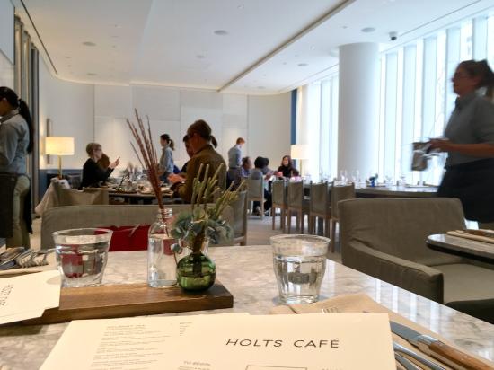 Holts Cafeがバンクーバーにもオープン♪_d0129786_17554339.jpg