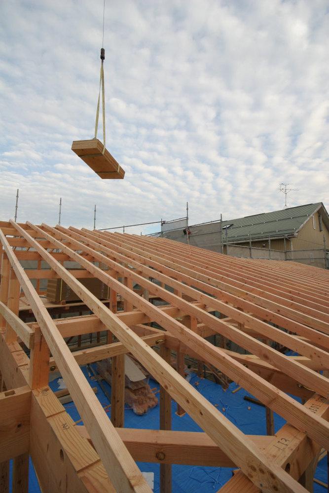 建て方→屋根工事→耐力壁取付_b0349892_12253051.jpg