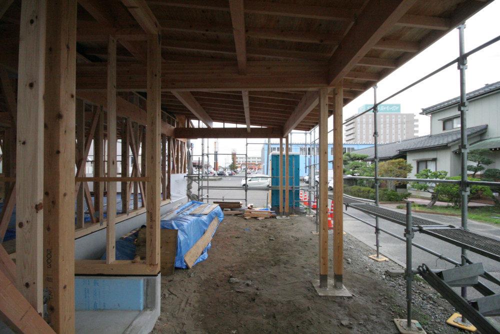 建て方→屋根工事→耐力壁取付_b0349892_12254705.jpg