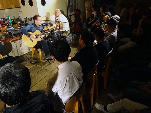下山亮平さんのライブ_c0137404_21162686.jpg