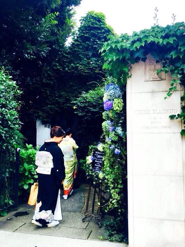 新郎新婦様からのメール 夏の装花 かすみそう シェ松尾松濤レストラン様へ_a0042928_11484661.jpg