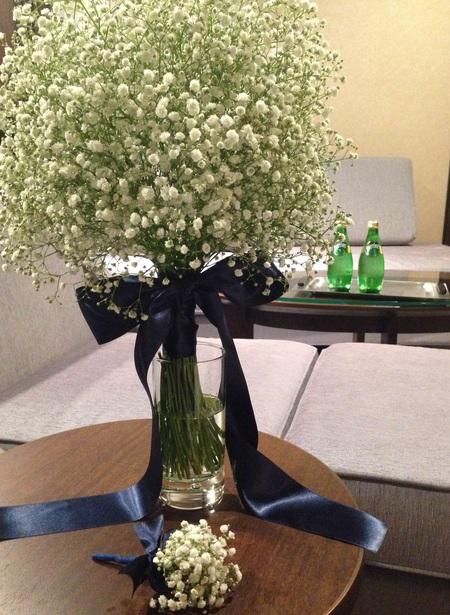 新郎新婦様からのメール 夏の装花 かすみそう シェ松尾松濤レストラン様へ_a0042928_12274752.jpg
