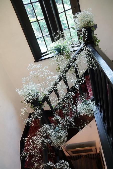 新郎新婦様からのメール 夏の装花 かすみそう シェ松尾松濤レストラン様へ_a0042928_12342797.jpg