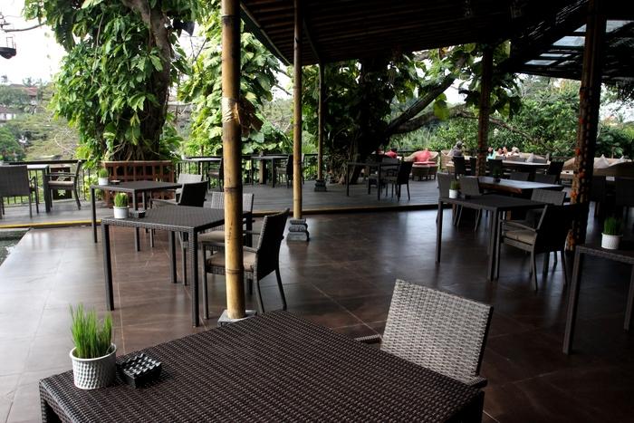 アントニオブランコ美術館 Rondji Restaurant カフェ レストラン _e0141982_2134364.jpg