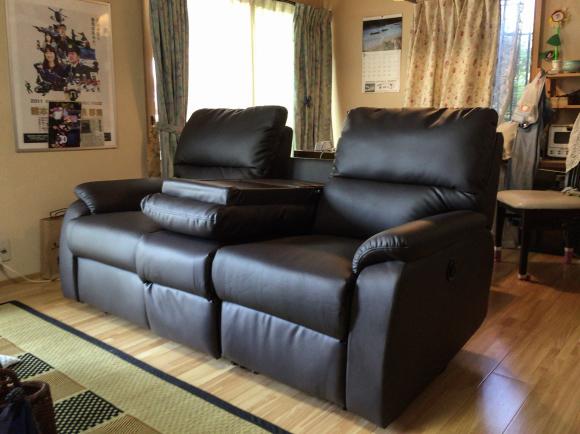 家具屋の配達日記 電動リクライニングソファーをお届けしました_e0353340_18113292.jpg
