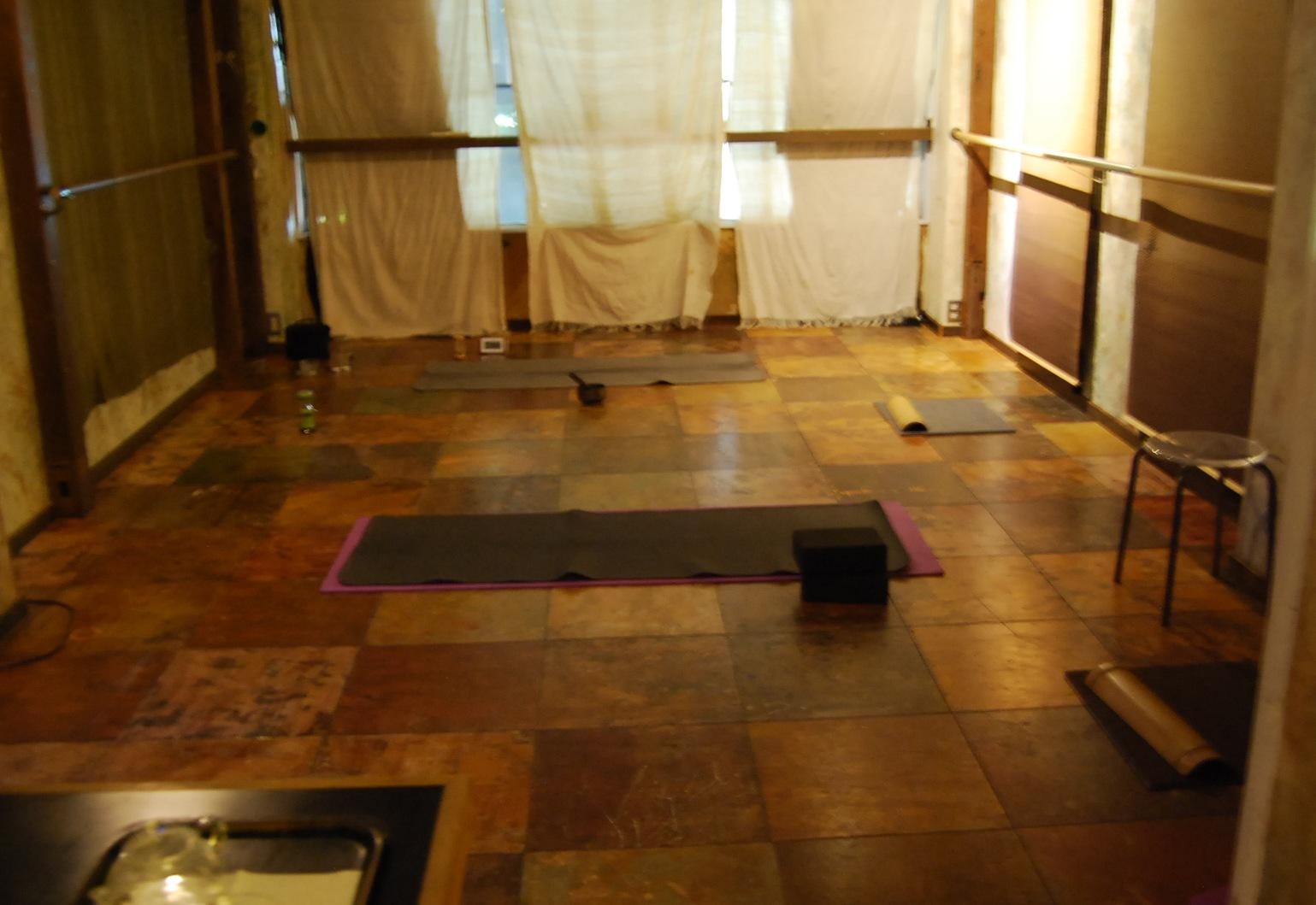 "Yin陰Yoga "" プライベートレッスン  ""_d0240462_01144819.jpg"