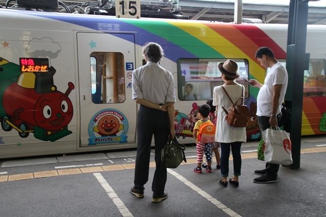 楽しい鉄道、楽しい乗り物・・・路面電車も楽しい・・・街づくりは乗り物のの工夫が決め手_d0181492_07142179.jpg
