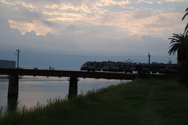 楽しい鉄道、楽しい乗り物・・・路面電車も楽しい・・・街づくりは乗り物のの工夫が決め手_d0181492_07153603.jpg