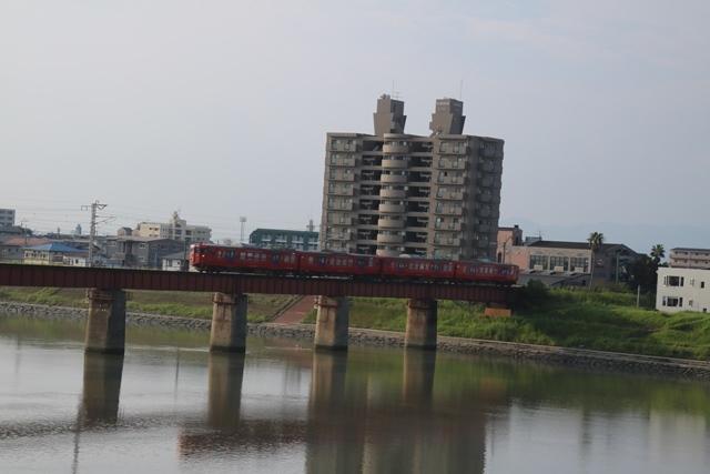楽しい鉄道、楽しい乗り物・・・路面電車も楽しい・・・街づくりは乗り物のの工夫が決め手_d0181492_07155287.jpg