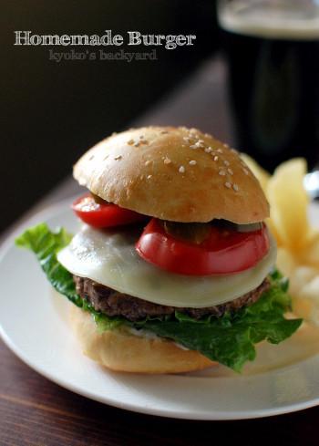 しましまバーガー&ハマス。今週の常備菜。_b0253205_03102374.jpg