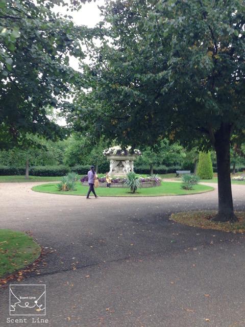 2度目のイギリス旅レポート その2 (ロンドンで犬と散歩)_c0099133_13345014.jpg
