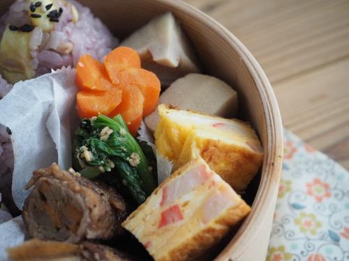 栗ご飯のおにぎり弁当と栗の渋皮煮_c0270834_8281159.jpg
