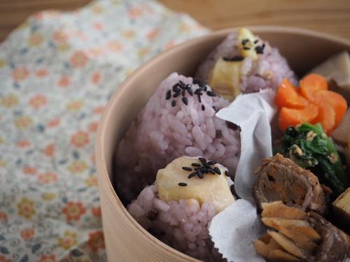栗ご飯のおにぎり弁当と栗の渋皮煮_c0270834_8295838.jpg