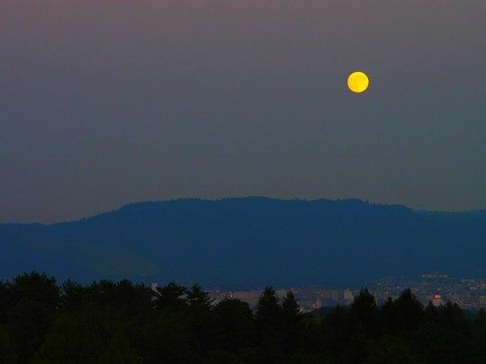 記憶の中の月(8) ~ 満ちても欠けても ~ _b0102572_17332118.jpg