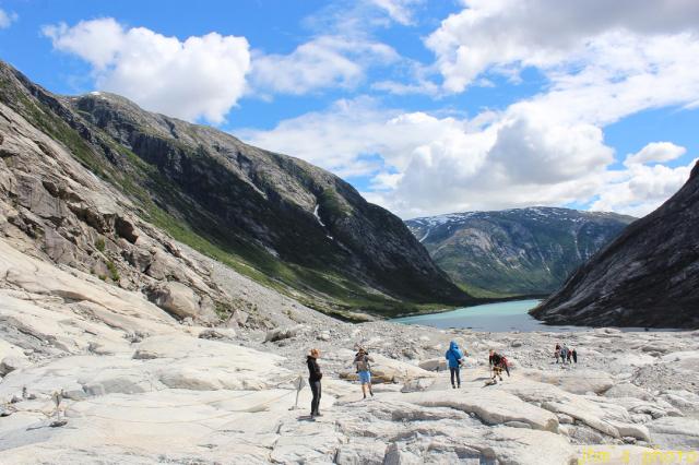 ノルウェーから送られてきた氷河の写真_a0158797_22400563.jpg