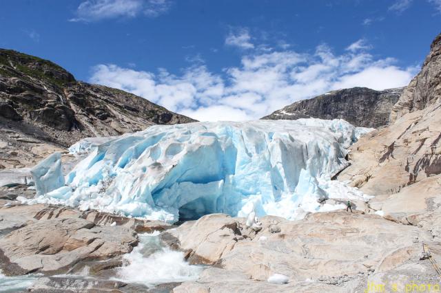 ノルウェーから送られてきた氷河の写真_a0158797_22513439.jpg