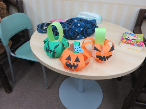 ♦♫♦・*:..。Halloween Craft lesson♪゜・*:.。_c0345439_16345037.jpg