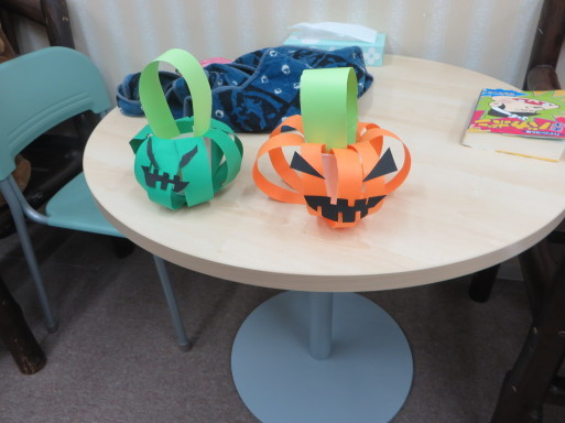 ♦♫♦・*:..。Halloween Craft lesson♪゜・*:.。_c0345439_16363905.jpg
