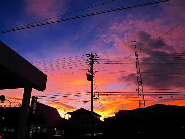 台風18号がくる、夕方の空_c0327752_09505574.jpg