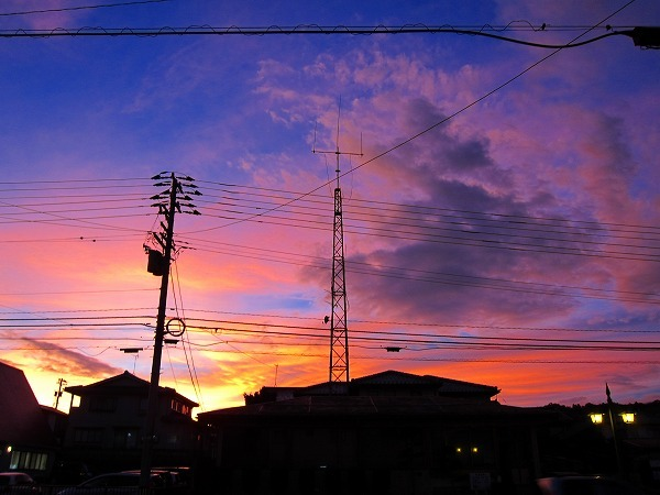 台風18号がくる、夕方の空_c0327752_09513304.jpg