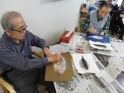 オイルパステル画 ~ アジの干物を描く ~_e0222340_1524071.jpg
