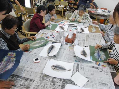 オイルパステル画 ~ アジの干物を描く ~_e0222340_15303287.jpg