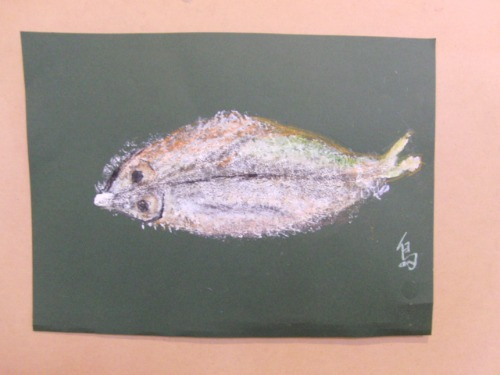 オイルパステル画 ~ アジの干物を描く ~_e0222340_15363589.jpg
