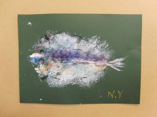 オイルパステル画 ~ アジの干物を描く ~_e0222340_15375721.jpg