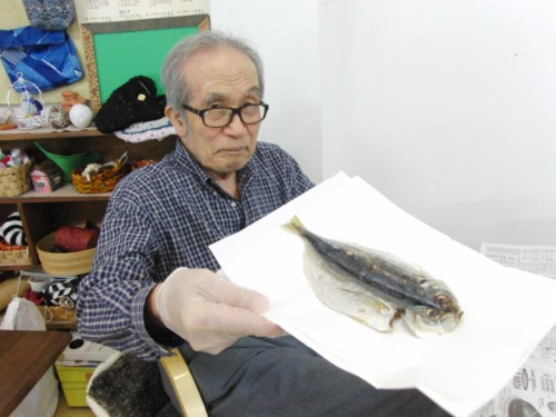 オイルパステル画 ~ アジの干物を描く ~_e0222340_1561752.jpg