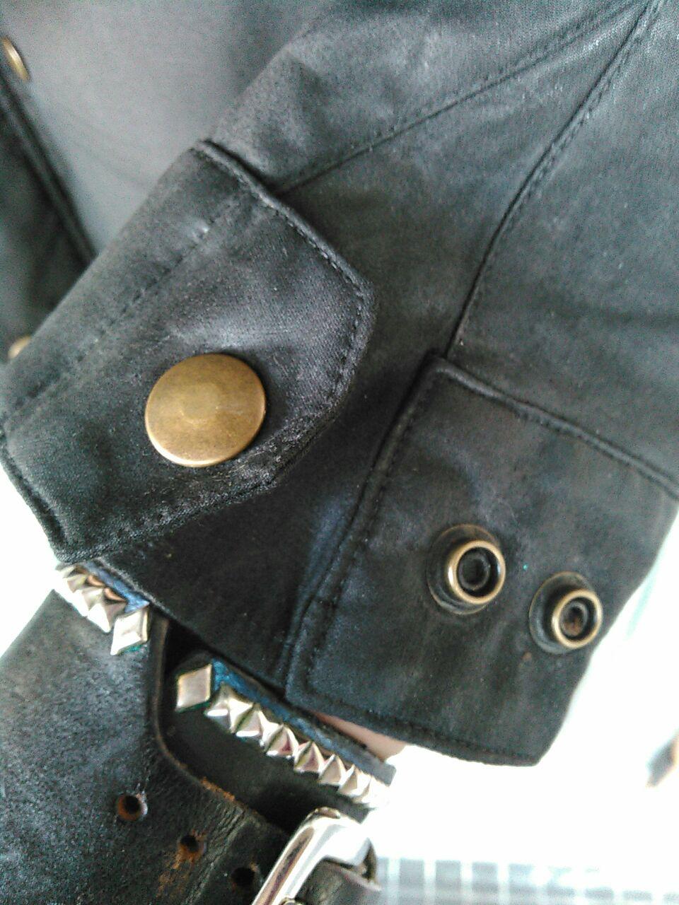 ADDICT CLOTHES オススメの一枚。_d0100143_2312597.jpg