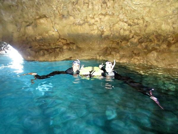 ビーチはクローズでしたがボートで青の洞窟OK(^^)_a0156273_16442784.jpg