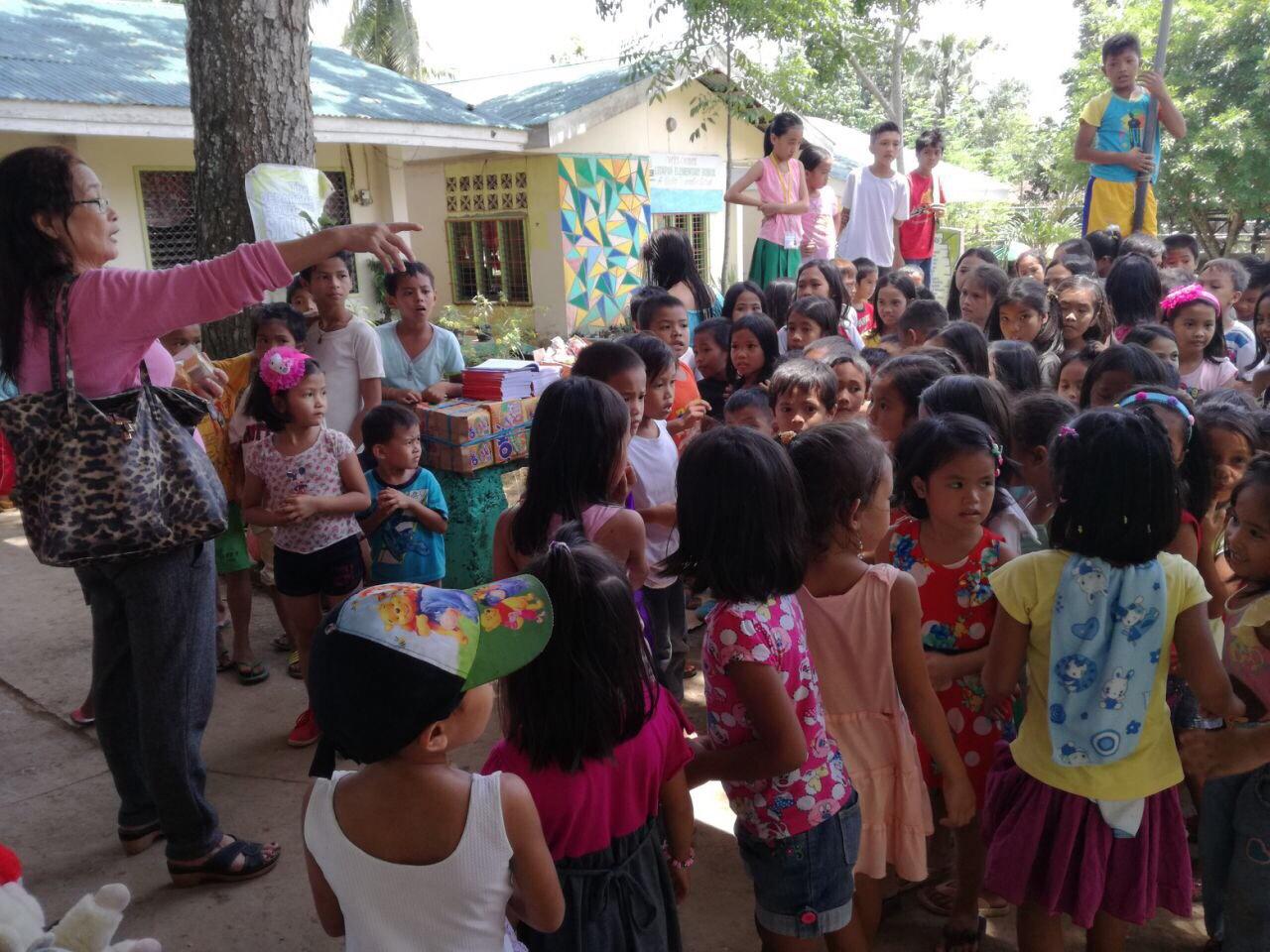 ミンダナオ島Ozamiz Litapan Elementary Schoolでの寄付活動のご報告_e0135675_2118783.jpg