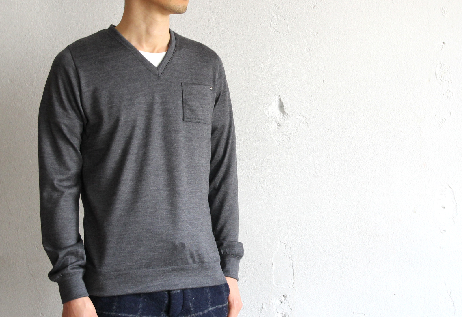 High Gauge Wool Pocket V-neck _e0142928_8182345.jpg