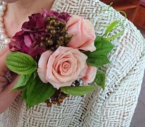 教会での結婚式・・・・雨の予報もどこかへ・・・_b0137969_11475579.jpeg