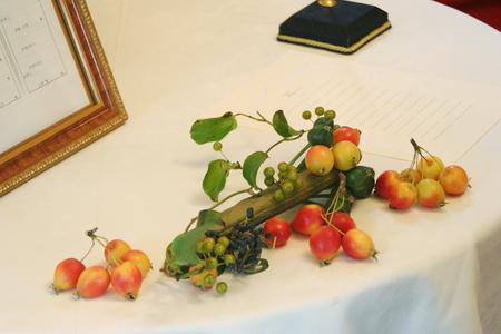 秋の会場装花 ラ・ビュット・ボワゼさまへ 実もののリングピロー_a0042928_17572827.jpg
